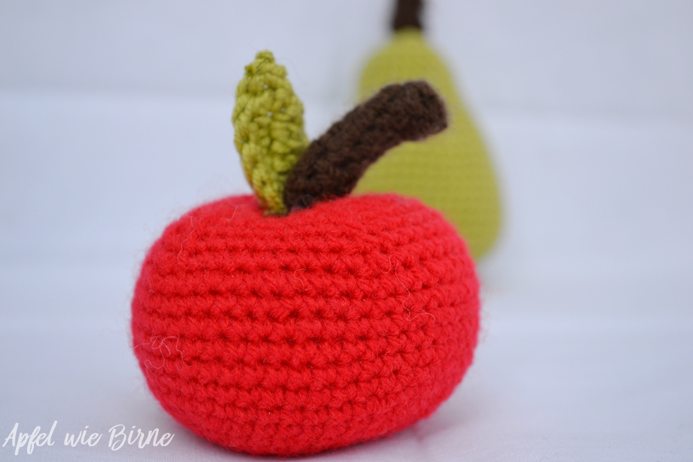 Apfel gehäkelt